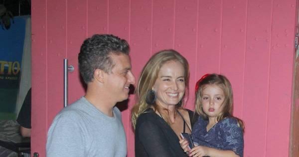 Angélica e Luciano Huck levam Eva ao aniversário de Roque, filho ...