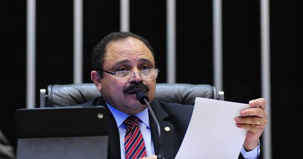Ministério Público investiga salários pagos a Waldir Maranhão ...