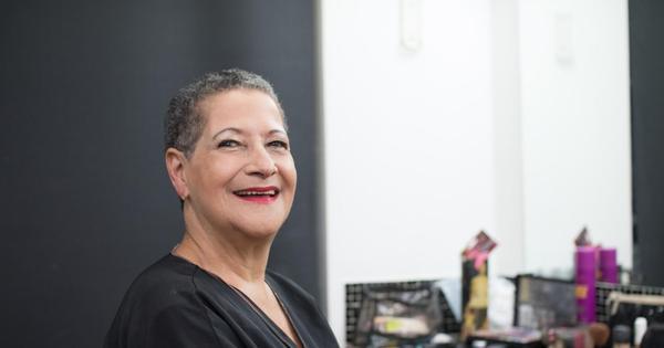 Dona Geralda faz primeiro ensaio para o Miss Bumbum Melhor Idade