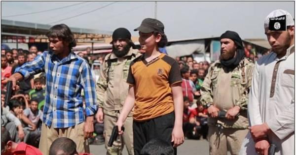 Estado Islâmico seleciona adolescentes voluntários e realiza ...