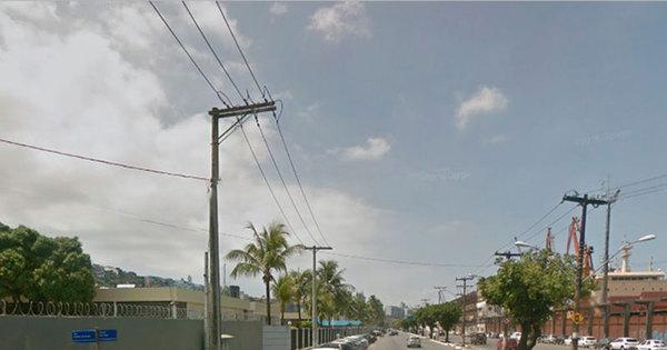 Motociclista morre após colisão contra poste no bairro do Comércio ...