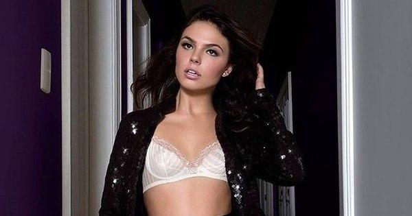 Isis Valverde esbanja sensualidade em foto exibindo sutiã ...