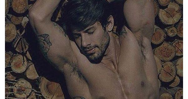 """Ex-BBB Renan posa de cueca e leva fãs à loucura: """"Quase infartei ..."""