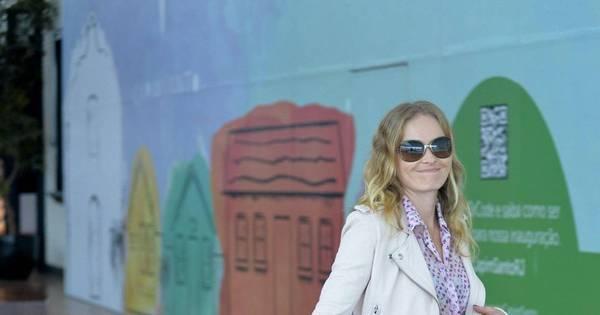 Angélica leva a filha Eva ao cinema - Fotos - R7 Famosos e TV