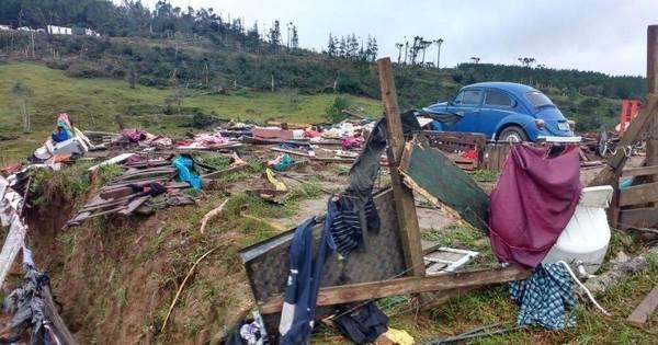 Vendavais matam quatro pessoas em Santa Catarina - Notícias - R7 ...