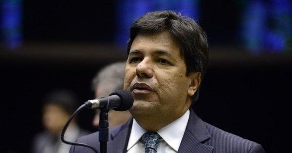 Universidades públicas continuam gratuitas, diz Mendonça Filho ...