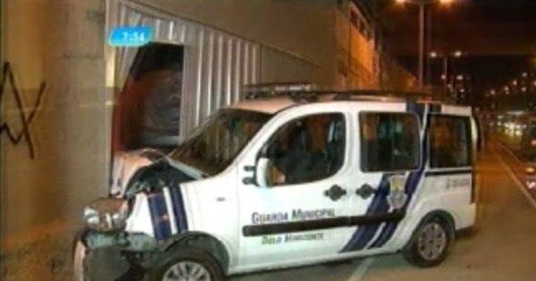 Homem tem carro arrombado e persegue ladrões em Belo Horizonte