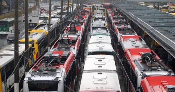 Motoristas e cobradores desistem de greve, mas Metrô deve parar ...