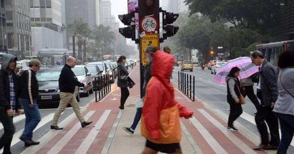 Com chuva e greve de ônibus, SP tem trânsito travado nesta quarta ...