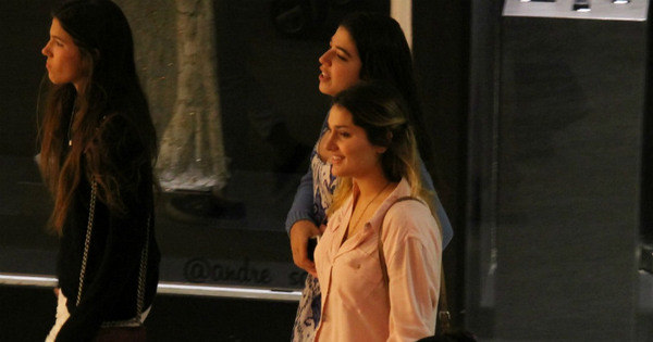 Sasha faz passeio com amigas em shopping do Rio antes de se ...