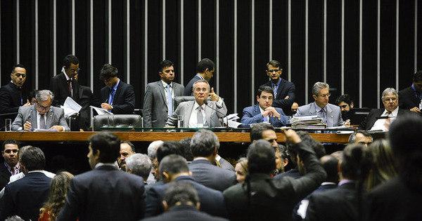 Congresso aprova meta fiscal que prevê rombo de R$ 170,5 bilhões ...