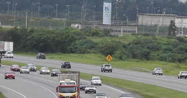 Governo cria multa para motorista que dirigir sem luz baixa nas ...