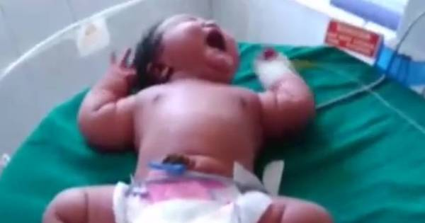 Jovem dá à luz maior bebê do mundo com 6,8 kg - Notícias - R7 ...