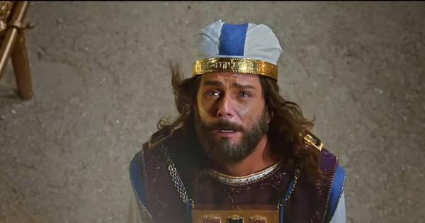 Após morte de Nadabe e Abiú, Deus conversa com Arão - Fotos ...