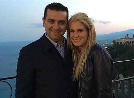 Confeiteiro Buddy Valastro curte viagem na Itália ao lado da família