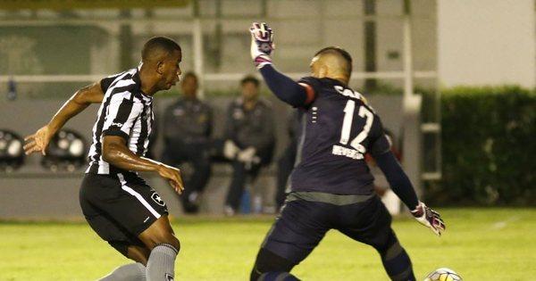 Botafogo vence a primeira no Brasileirão 2016 - Esportes - R7 Futebol