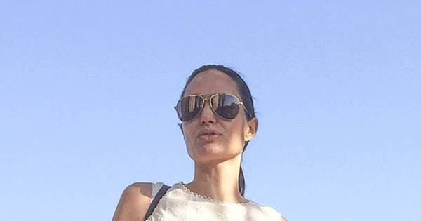 Angelina Jolie pode estar com anorexia e osteoporose, diz site ...