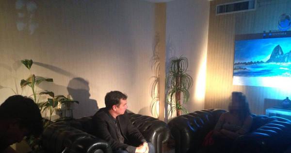 Domingo Espetacular entrevista jovem estuprada no Rio de Janeiro ...