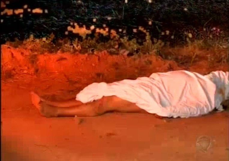 Atenção: Homem é encontrado morto e nu às margens de rodovia