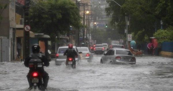 Chuva forte causa morte de três pessoas da mesma família em Olinda