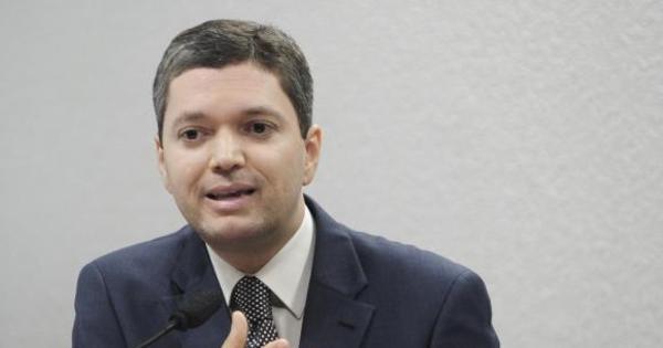Em gravação, ministro da Transparência critica Lava Jato - Notícias ...