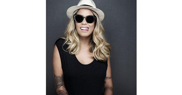 Rafaella Santos mostra lado modelo em ensaio para marca de óculos