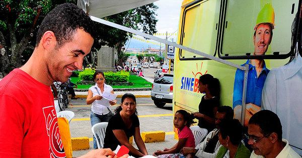 Moradores de seis bairros de Salvador poderão retirar carteira de ...