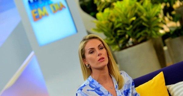 Ana Hickmann se emociona na volta ao Hoje em Dia após atentado ...