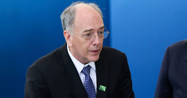 Novo presidente da Petrobras diz que reajuste de preço ...