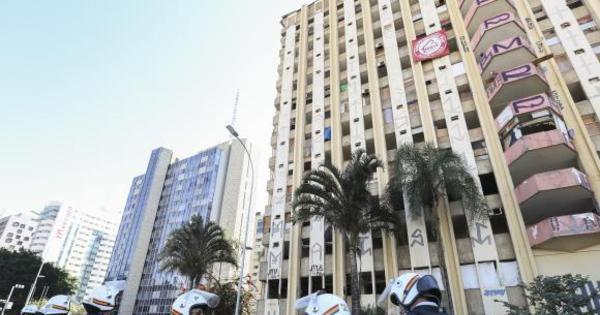 Polícia segue em negociação para retirar ocupantes de hotel em ...