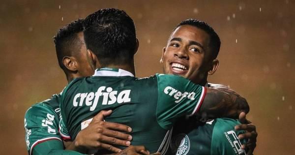 Com duas viradas e chuva de gols, Palmeiras vence o Grêmio em ...