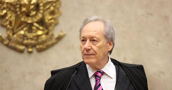 Lewandowski veta julgamento do impeachment de Dilma nos finais ...