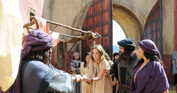 Grávida, Leila é vendida como escrava - Fotos - R7 Os Dez ...