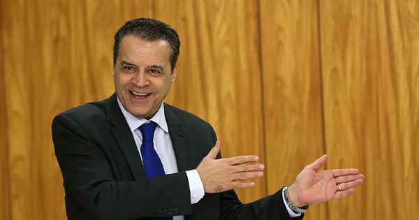 Janot acusa ministro do Turismo de receber grana desviada da ...