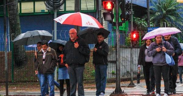 Chuva causa deslizamento, queda de árvore e lentidão em Metrô ...