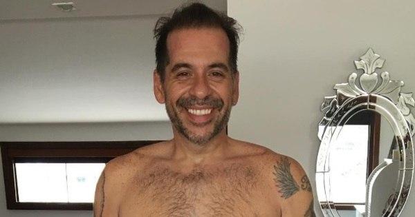"""Leandro Hassum posta foto sem camisa e dispara: """"Rumo ao ..."""