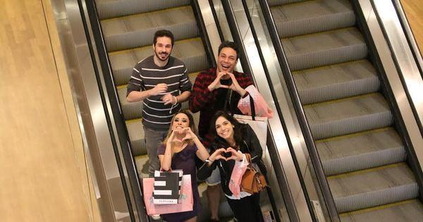 Tatá Werneck se diverte com amigos no shopping - Fotos - R7 ...