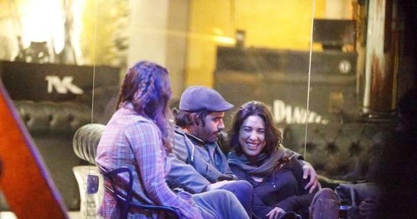 Apaixonados, Giselle Itié e Guilherme Winter curtem noite carioca ...