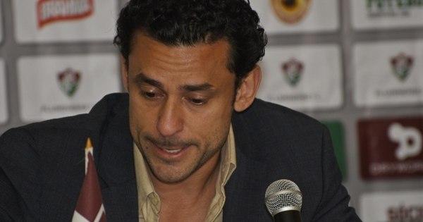 Emocionado, Fred se despede do Fluminense em entrevista coletiva