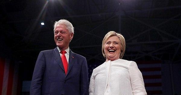 """Em livro, ex-amante de Bill Clinton detona Hillary: """"Ela financiou os ..."""