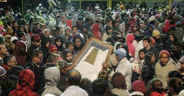 Acidente na Mogi-Bertioga: enterro de vítimas põe cidade de luto ...