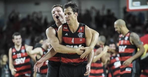 Com show de Marcelinho, Flamengo bate Bauru e conquista ...