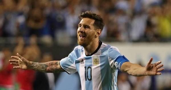 Messi entra no 2º tempo, faz 3 gols e Argentina avança com ...