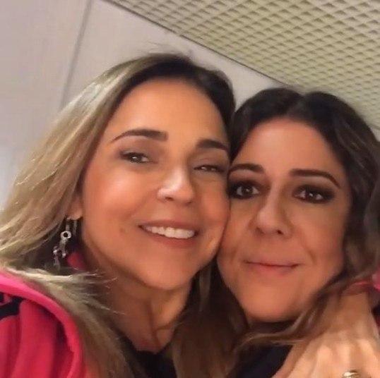A cantora Daniela Mercury se declarou paraMalu Verçosa.—Feliz dia dos namorados(as)! Dia de celebrar o amor com lindas canções