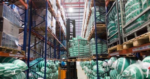Bolas, barcos, colchões: Centro de logística do Rio 2016 tem ...