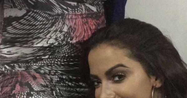 """Anitta mostra fã que tatuou seu rosto: """"Estou chocada ..."""
