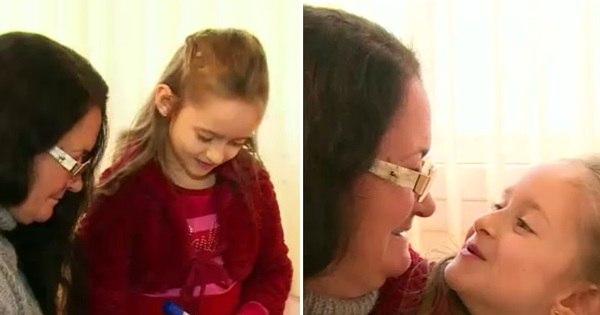Criança, de sete anos, ensina a babá, de 55, a ler e escrever - Fotos ...