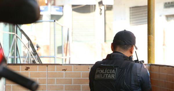 Criminosos atiram bomba caseira contra PMs na Vila Cruzeiro e ...