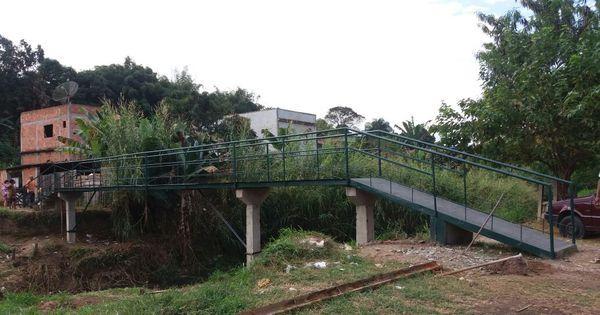 Moradores constroem ponte após prefeitura alegar falta de dinheiro ...