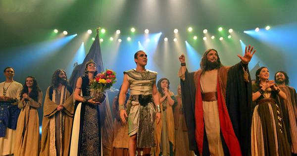 Estreia de Os Dez Mandamentos - O Musical no teatro Procópio ...